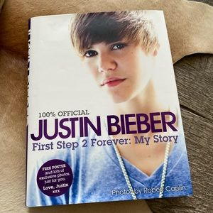 Justin Bieber 100%Official My Story Hardcover Book